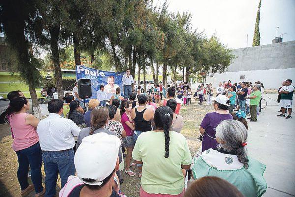 Paulo Bañuelos propone más apoyo a los jóvenes
