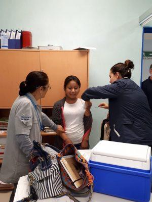SSG vacuna a jornaleros agrícolas en campos guanajuatenses