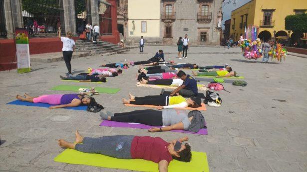 Celebra SMA día internacional del Yoga