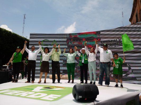 Recorrió Camarena calles de Celaya con candidatos locales