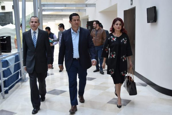 Presenta Diego dos propuestas para su gabinete