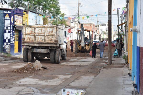 Cerrarán calles por retraso en obras