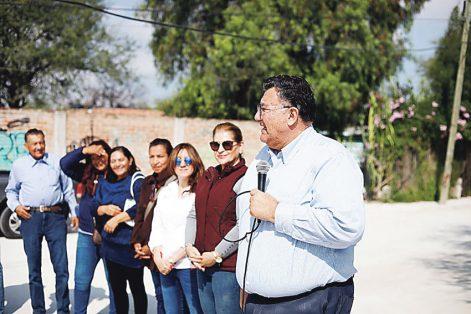 Se resaltó la aplicación de otros programas sociales en esta zona sur del municipio, con los que sus habitantes mejoraron sus condiciones de vida.