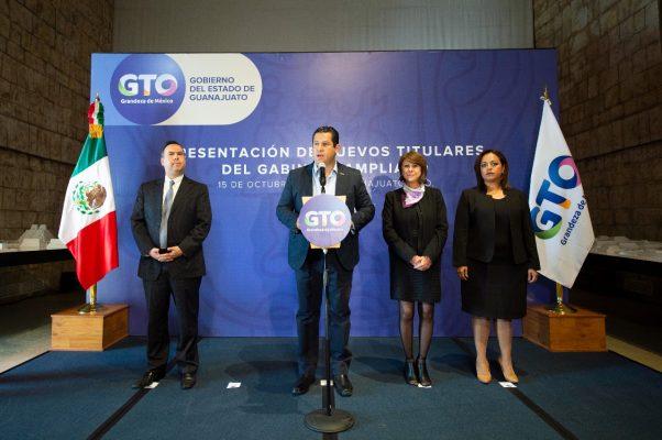 Presenta gobernador a nuevos funcionarios del gabinete ampliado