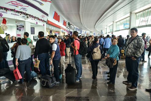 Niegan a estudiantes descuentos en la Terminal de Toluca