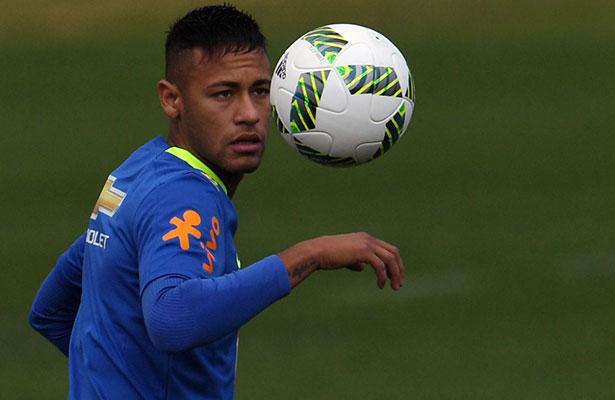 Archivan denuncia contra Neymar por evasión fiscal