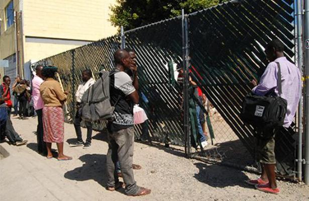 Haitianos viven hacinados en Tijuana