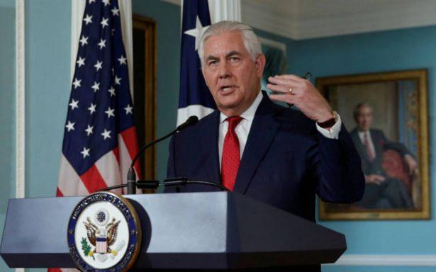 Tillerson niega tensión con Trump; afirma no renunciará al cargo