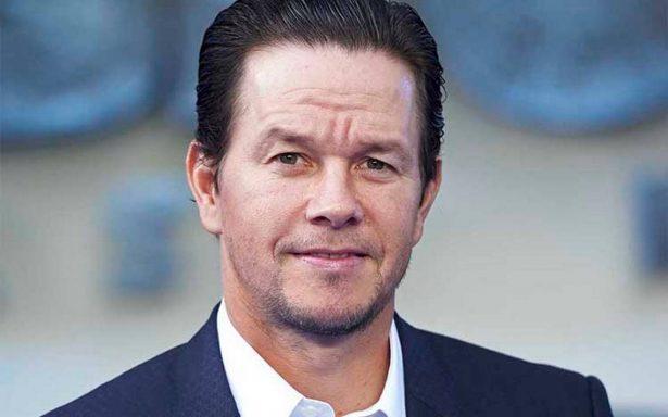"""Acusan a Mark Wahlberg de cobrar cifra millonaria por reshoots de """"Todo el dinero del mundo"""""""