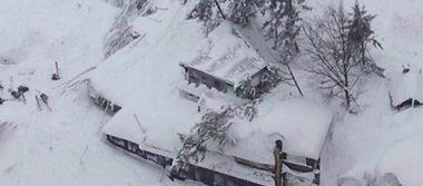 Recuperan 15 cuerpos del hotel sepultado por avalancha en Italia