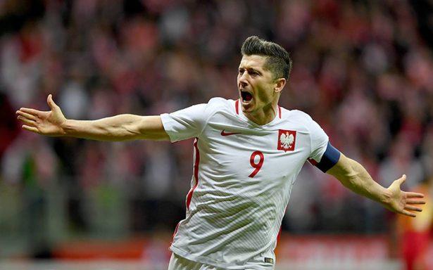 Lewandowski se gradúa como entrenador un día después de clasificar al Mundial