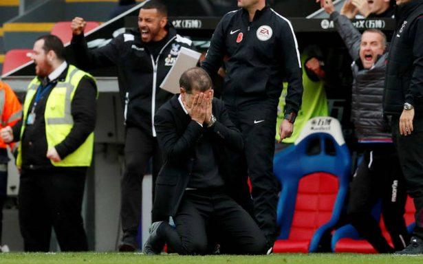 Chicharito se queda sin técnico, West Ham despide a Slaven Bilic