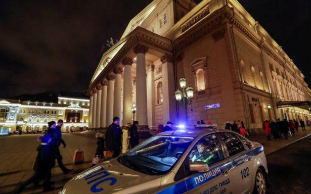 Por amenaza de bomba, evacuan el teatro Bolshói en Moscú