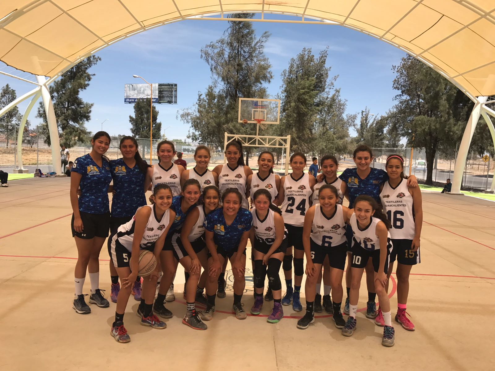 LA SELECCIÓN de baloncesto, rama femenil, viajó a Zacatecas donde participará en el Campeonato Nacional categoría U16, desde este viernes.