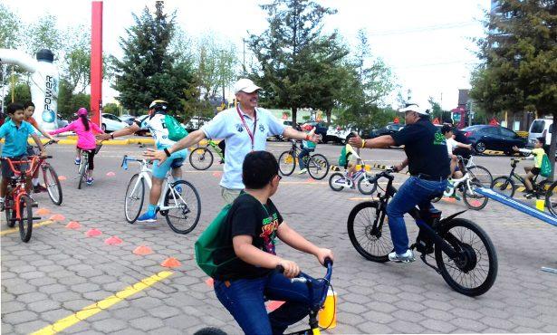 Necesario el equipo de protección para los ciclistas pero no todos tienen la cultura ni el dinero para adquirirlo