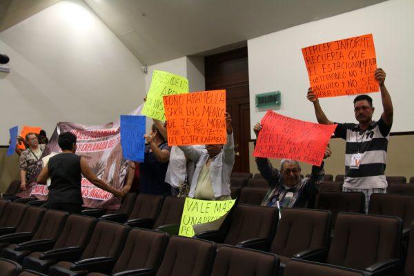 Protesta en Palacio Legislativo de habitantes de Jesús María