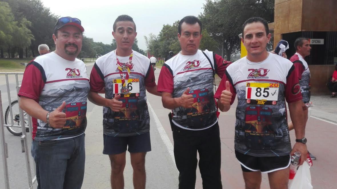 LOS HERMANOS Sergio y José de Jesús Medina Llamas ocuparon el segundo y tercer lugar de la carrera atlética nacional por el 20 aniversario del Ferrocarril Kansas, que tuvo lugar en la ciudad de Monterrey.