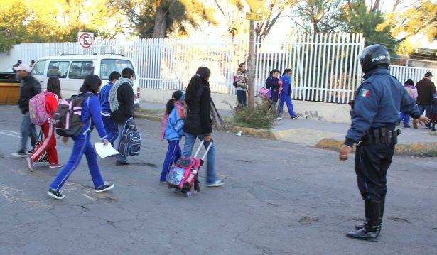 280 mil alumnos retornan hoy a los salones de clase