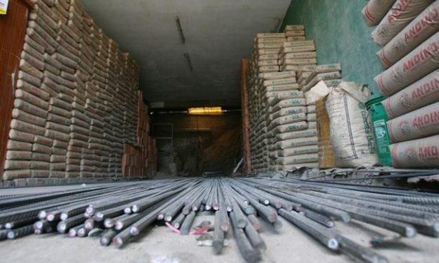 Constructores recaudan material  y herramientas para apoyar en  labores de rescate y reconstrucción