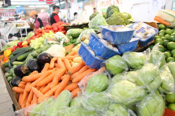 Esta es una época difícil para los comerciantes de frutas y verduras