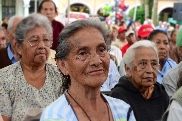 Los adultos mayores constituyen un  gran reto para los servicios de salud