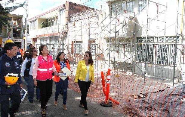 """Tere Jiménez E. supervisa obras en """"Barrio mágico"""" de Guadalupe"""