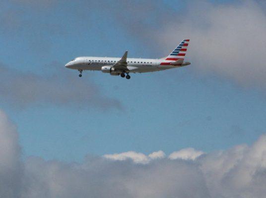Habrá 8% más de asientos  en vuelos a la Capital del país