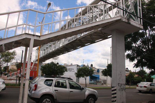 No hay recursos para rehabilitar  puentes peatonales y vehiculares