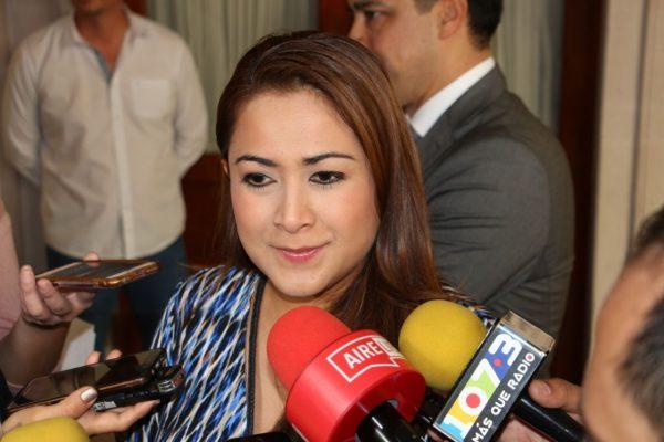 Alcaldesa respalda el trabajo de funcionarios recién desigandos