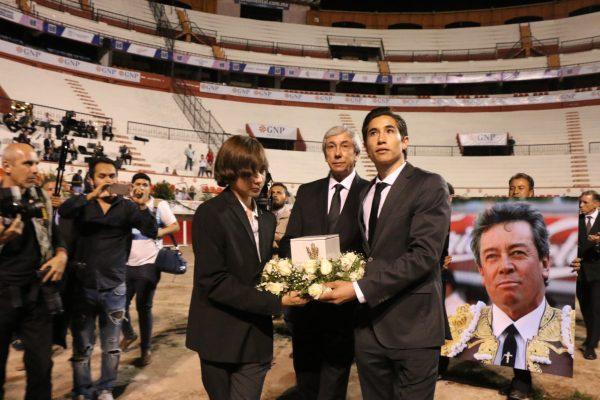 """Emotivo último adiós al maestro Miguel Espinosa Menéndez """"Armillita Chico"""""""