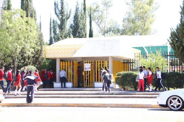 Injustificadamente se despidieron a 103 docentes del Cecytea