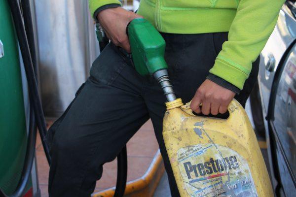 Difícil reducir el precio de las gasolinas