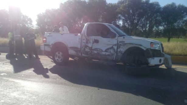 Cafre conductor de tráiler provoca tremendo accidente