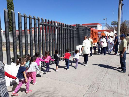Evacúan guardería del IMSS