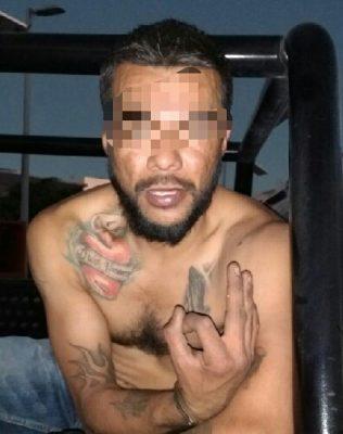 Por andar de valiente golpeando a su mujer, terminó detenido