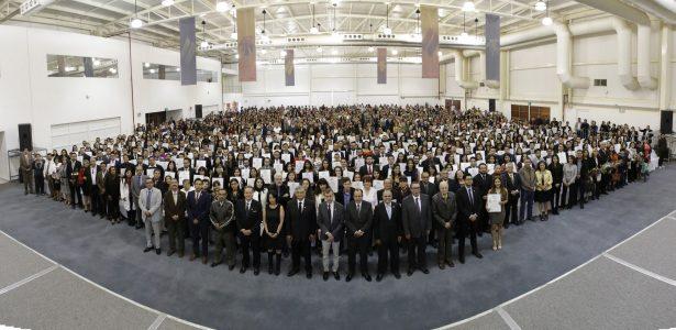 Se titulan 1,300 egresados de la Universidad Autónoma