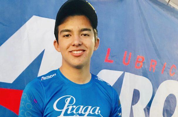 Joven piloto local hace historia en carrera internacional