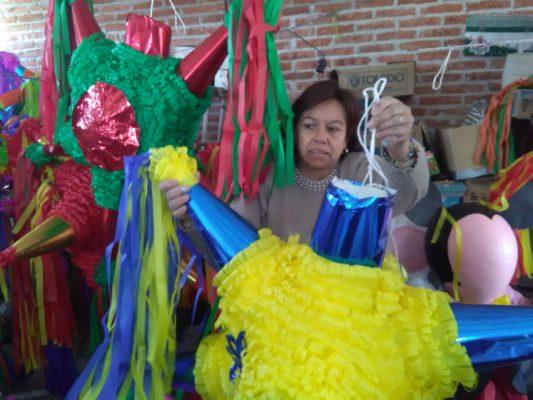 Las piñatas son fuente de empleo