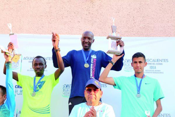 Keniata Julius Koskei y dama etíope Firegenet Manozfiro ganadores de carrera en honor a La Divina Providencia
