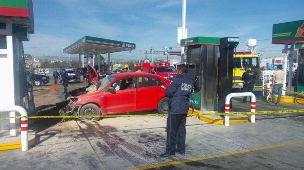 Uberiano chocó con gasolinería