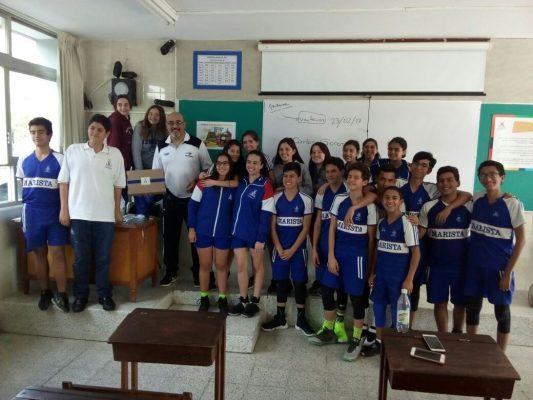 Coach de Panteras dirigió práctica  de estudiantes del Colegio Marista