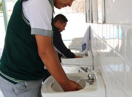 Escuelas deben 80 mdp  por el servicio de agua