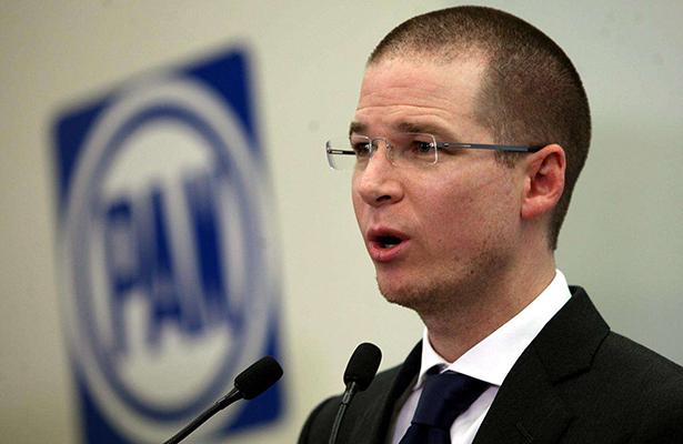 INE desecha queja contra Ricardo Anaya por violar pauta de spots