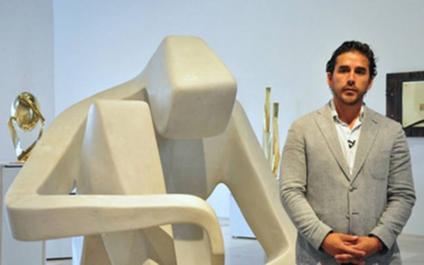 David Carmorlinga muestra su arte en espacio universitario