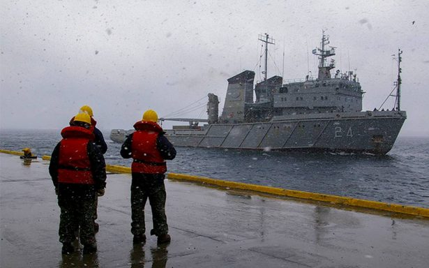 Autoridades argentinas piden paciencia para saber qué pasó con el submarino