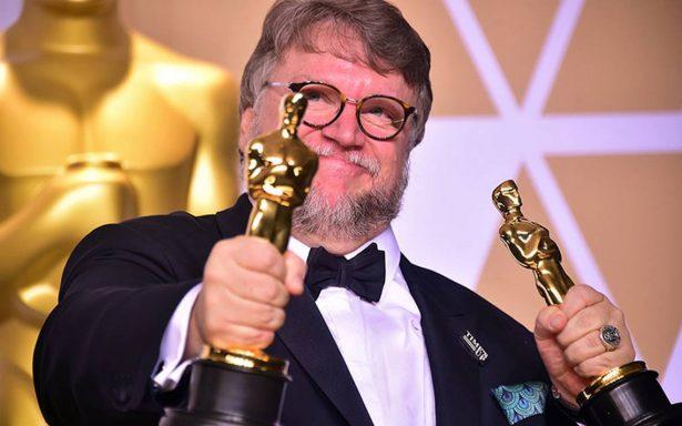 Así es Guillermo del Toro en la intimidad con su familia en Guadalajara