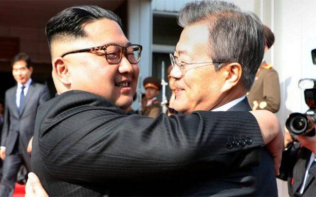 Presidente de Corea del Sur se reúne con Kim Jong-un para rescatar cumbre con Trump