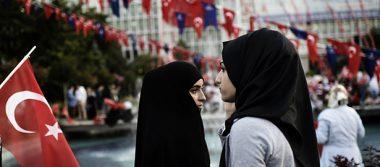 Turquía elimina prohibición del velo islámico en su Ejército