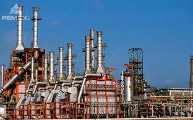 Refinería en Salina Cruz está parada por falla eléctrica: Pemex