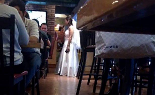 Dejan plantada a novia en altar… Se va a celebrar su dolor a un bar
